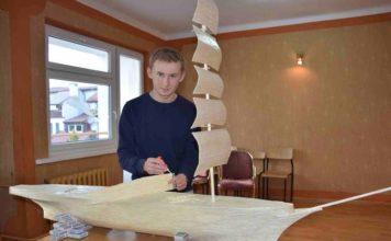 fot. Artur Szymczak; http://www.gazetalubuska.pl/wiadomosci/slubice/a/18letni-modelarz-buduje-najwiekszy-w-polsce-statek-z-zapalek-zdjecia-wideo,9849504/